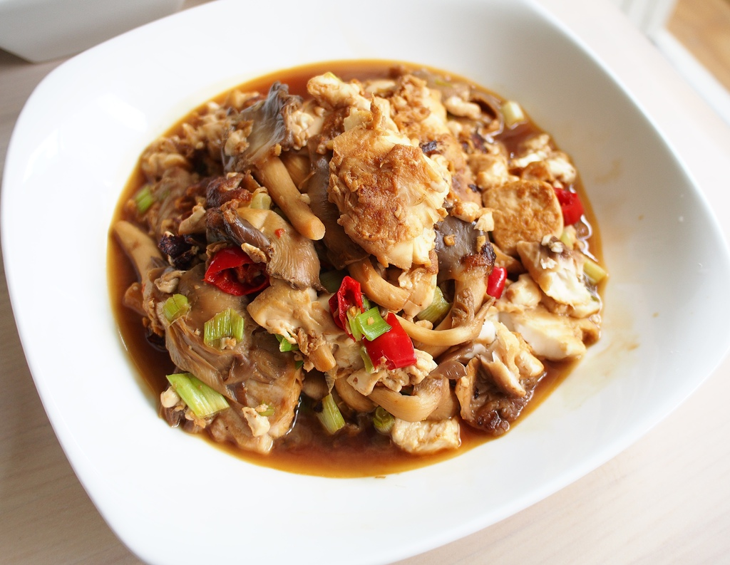 day041-午餐紅燒鯛魚嫩豆腐佐鴻喜菇.JPG